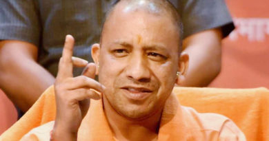 yogi adityanath government will distribute khadi dress to children